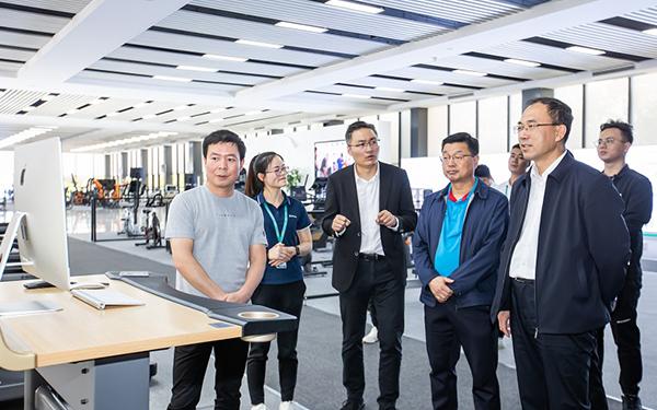 宁夏回族自治区体育局副局长马清林一行莅临舒华台商工业园区考察